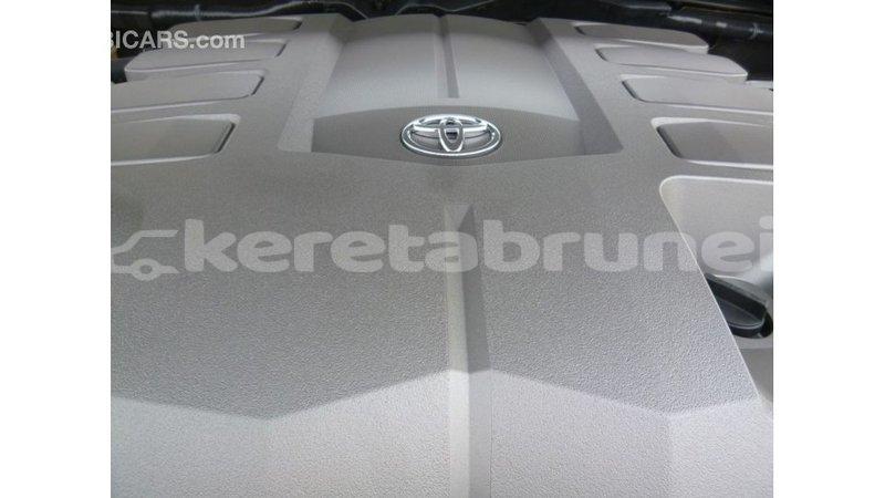 Big with watermark toyota land cruiser belait import dubai 2894