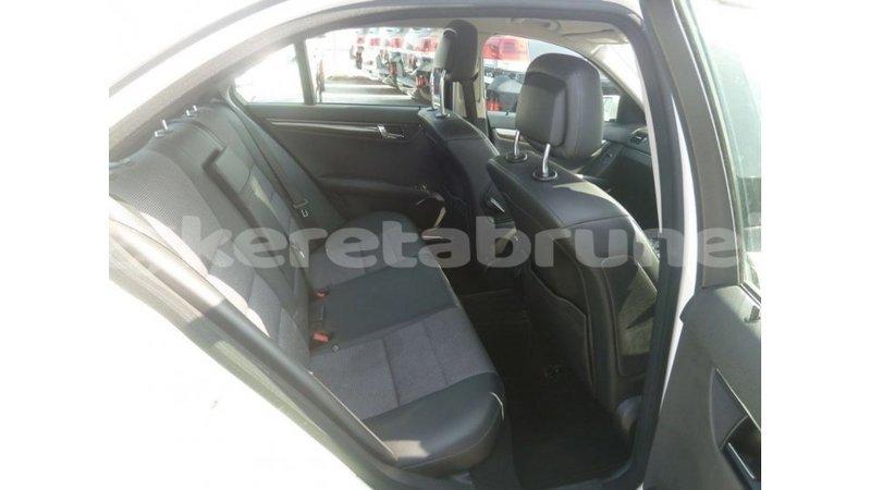 Big with watermark mercedes benz 200 belait import dubai 2905