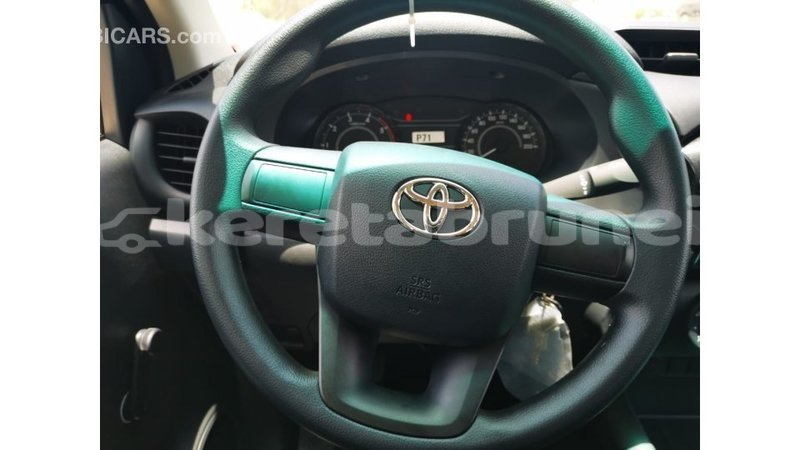 Big with watermark toyota hilux belait import dubai 3761