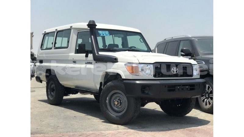 Big with watermark toyota land cruiser belait import dubai 4100