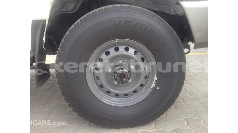 Big with watermark toyota land cruiser belait import dubai 4178